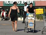 Selma Blair | Grocery Shopping in West Hollywood | 9 leggy pics