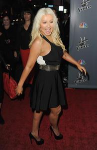 [Fotos+Videos] Christina Aguilera en la Premier de la 4ta Temporada de The Voice 2013 - Página 4 Th_985800641_Christina_Aguilera_20_122_29lo