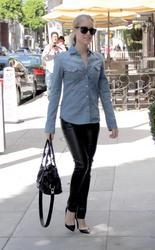 Кристин Каваллари Кавалери, фото 4681. Kristin Cavallari Cavalleri - Arriving to Jose Eber salon - Beverly Hills - 18/02/12, foto 4681