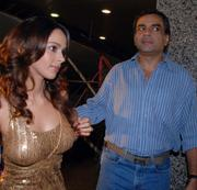 "Mallika Sherawat - ""Maan Gaye Mughal-e-Azam"" Premiere at Fame Cinemas in Andheri, Mumbai on August 21, 2008 - x3 HQ"