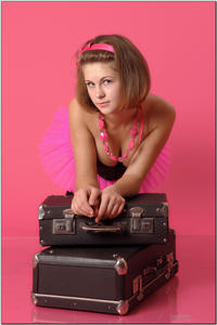 http://img215.imagevenue.com/loc577/th_255206322_tduid300163_sandrinya_model_pinkmini_teenmodeling_tv_068_122_577lo.jpg