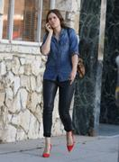 http://img215.imagevenue.com/loc600/th_056313107_Mandy_Moore_out_in_Beverly_Hills4_122_600lo.jpg