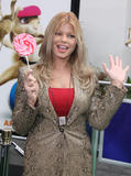 th_82457_Preppie_Donna_Derrico_at_Hop_world_premiere_at_Universal_Studios_in_Hollywood_1_122_897lo.jpg